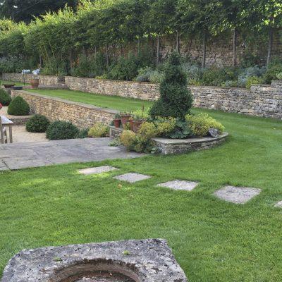 A Cotswold Garden