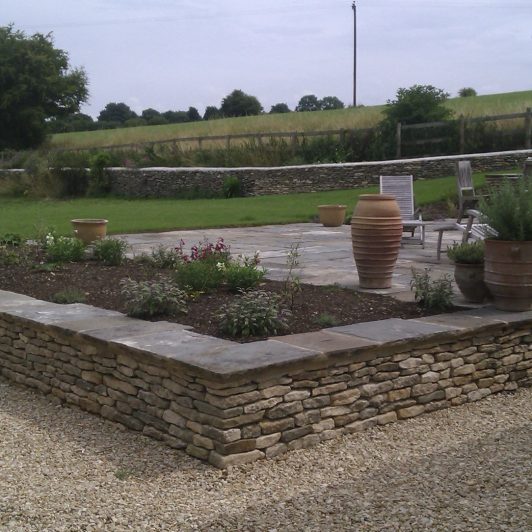 walling_steps_paving_using_reclaimed_stone
